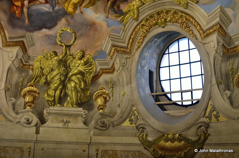 trompe-d' o oeil in the cupola Karlskirche