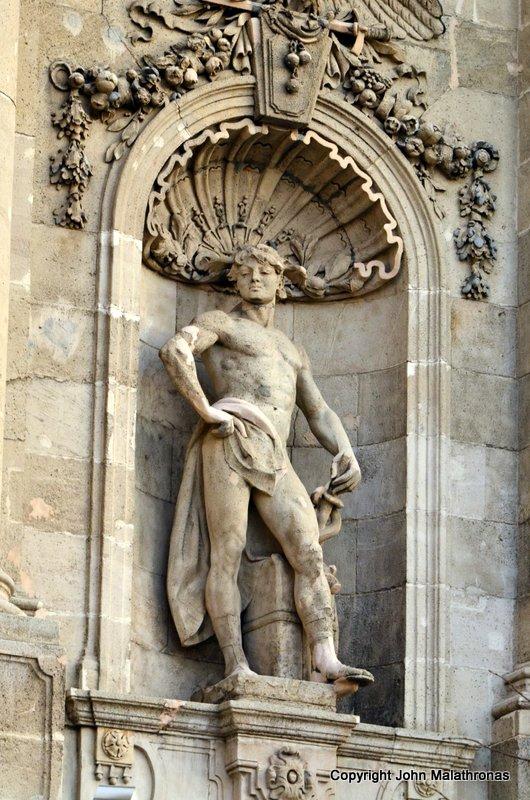 Statue, Buda castle