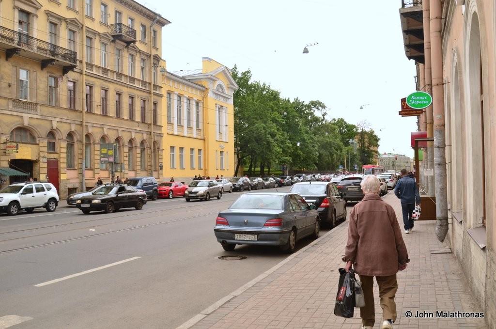 Raskolnikoff's walk to kill the old lady moneylender - Yusupov Gardens on Sadovaya
