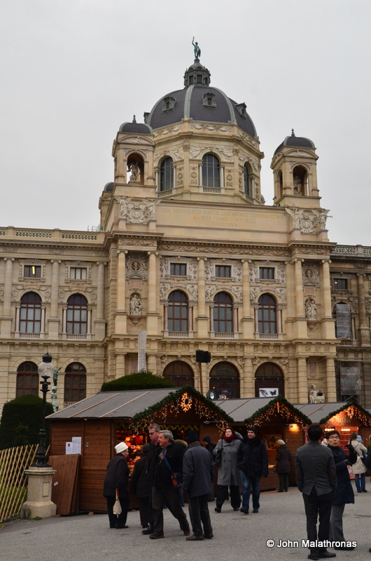 The Hofburg Christmas market in Vienna has a spectacular setting