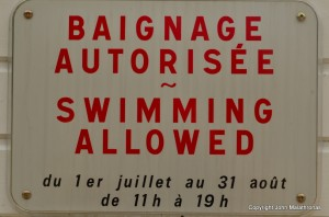 Swimming Allowed sign in France