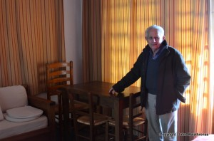 "Nikos shows me the table where Chatwin finished ""Songlines"""