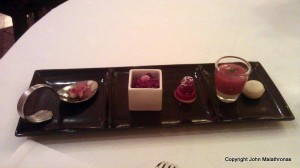 Small sweet mignardises