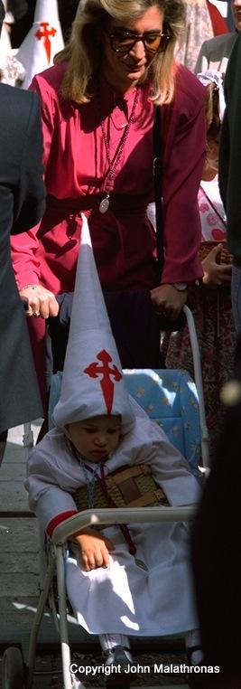 Niño penitente, Semana Santa, Seville