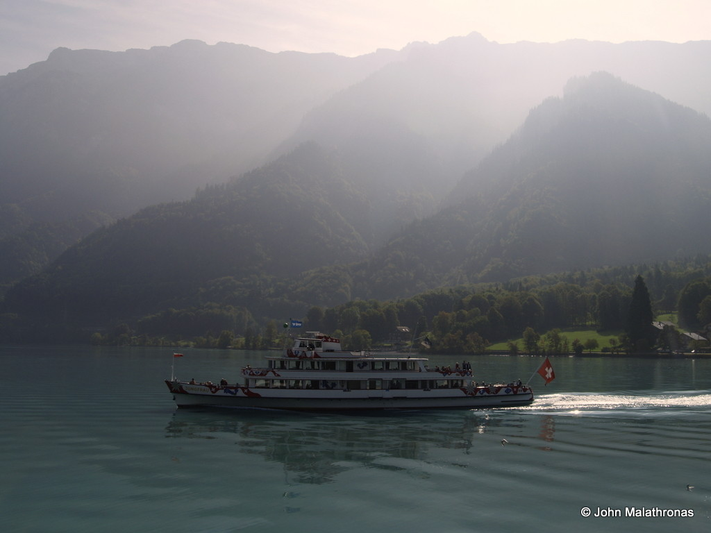 A pleasure boat on lake Brienz